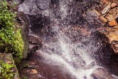 Cascata in foresta tropicale così al tempio della caverna del Da fotografia stock libera da diritti