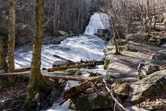 Cascata funzionata urlo, Eagle Rock, VA Immagini Stock Libere da Diritti