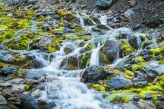 Cascata in ghiacciaio marziale in Ushuaia dettaglio di piccolo fiume fotografia stock libera da diritti