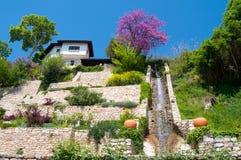 Cascata in giardino reale Immagine Stock