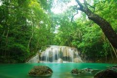Cascata in Kanchanaburi, Tailandia di Erawan Fotografia Stock