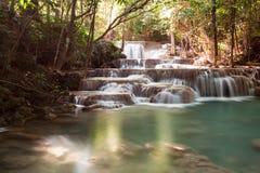 Cascata nel parco nazionale della diga di Srinakarin Fotografia Stock Libera da Diritti