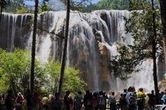 Cascata nel parco nazionale di Jiuzhaigou immagini stock libere da diritti