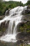 Cascata nel viaggio di estate della Norvegia Fotografia Stock Libera da Diritti