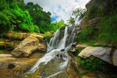 Cascata nella giungla Fotografie Stock