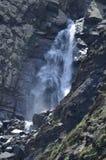 Cascata nella maggior gamma di Caucaso, parco nazionale di Shahdag, Azerbaigian Fotografie Stock Libere da Diritti