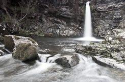 Cascata nella sosta della foresta del Galloway Fotografie Stock