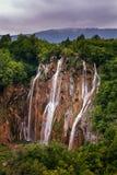 Cascata nella sosta nazionale dei laghi Plitvice Immagine Stock