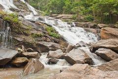cascata nella zona tropicale Immagine Stock Libera da Diritti