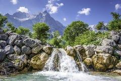 Cascata nelle alpi austriache Fotografie Stock Libere da Diritti