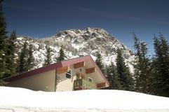 Cascata norte de alojamento privada Mounta de Ski Chalet Lodge Heavy Snow fotografia de stock royalty free