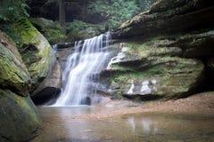 Cascata, parco di stato delle colline di Hocking Immagini Stock