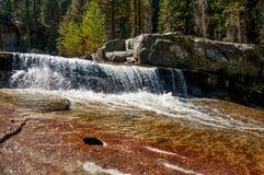 Cascata in parco nazionale di Yosemite Fotografia Stock Libera da Diritti
