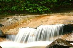 Cascata piana della roccia Fotografie Stock