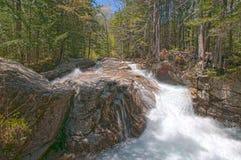Cascata precipitante a cascata Fotografia Stock