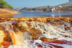 Cascata in Rio Tinto, Huelva, Spagna Fotografia Stock Libera da Diritti