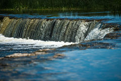 Cascata sul fiume largo Fotografia Stock