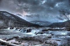 Cascata sul nuovo fiume Fotografie Stock Libere da Diritti