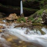 Cascata superiore di Pericnik in alpi slovene in autunno, parco nazionale di Triglav Immagine Stock Libera da Diritti