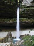 Cascata superiore di Pericnik nelle alpi di Julian Fotografia Stock