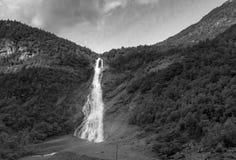 Cascata in Utladalen in bianco e nero Fotografia Stock
