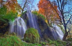 Cascata vicino a Etropole, Bulgaria immagini stock