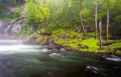 Cascatas no rio da pólvora perto do reservatório de Prettyboy em Balt Fotos de Stock