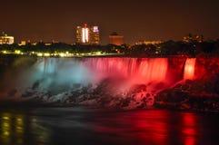 Cascate del Niagara alla notte Fotografia Stock
