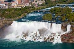 Cascate del Niagara dall'angolo alto Fotografia Stock