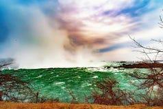 Cascate del Niagara fra gli Stati Uniti d'America ed il Canada immagine stock