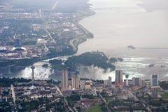 Cascate del Niagara nel giorno nuvoloso Fotografia Stock Libera da Diritti