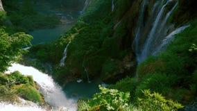 Cascate della montagna in Croazia stock footage