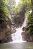 Cascate di Phlio in Chandra Buri Immagine Stock
