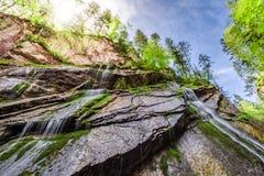 Cascate di Wimbach nelle alpi ad estate Fotografia Stock Libera da Diritti