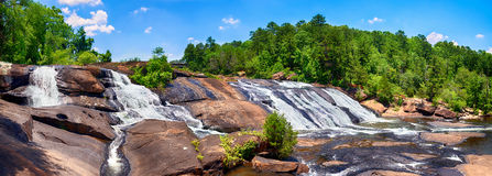 Cascate precipitanti all'alto parco di stato di cadute in Georgia Fotografia Stock Libera da Diritti