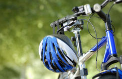 Casco de ciclo azul Imágenes de archivo libres de regalías