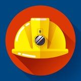 Casco giallo del muratore con l'icona della torcia elettrica Stile piano di progettazione Fotografie Stock Libere da Diritti