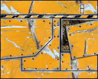 Casco plateado de metal pintado rasguñado ilustración del vector