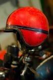 Casco rosso d'annata del motociclo Fotografia Stock Libera da Diritti