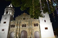 Casco viejo Viejo de la ciudad de Panamá en el ¡de Panamà en la noche imagenes de archivo