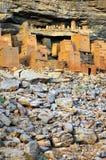 Case antiche di Tellem e di Dogon con le rocce Fotografia Stock