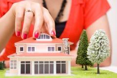 Case del bene immobile?, appartamenti da vendere o per affitto immagine stock libera da diritti