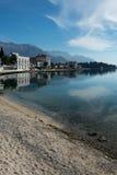 Case del mare adriatico sulla spiaggia Il lusso alloggia i haciendas sul Immagine Stock Libera da Diritti