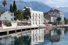 Case del mare adriatico sulla spiaggia Il lusso alloggia i haciendas sul Immagini Stock
