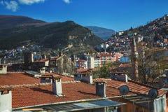 Case del villaggio sui pendii di montagna E fotografia stock libera da diritti