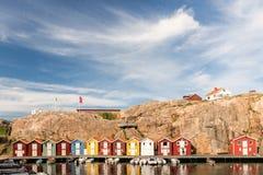 Case di barca variopinte a Smogen, Svezia Fotografie Stock