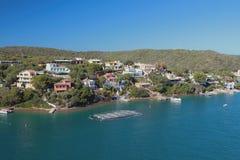 Case di campagna sulla costa del golfo del mare Mahon, Menorca, Spagna Fotografia Stock Libera da Diritti