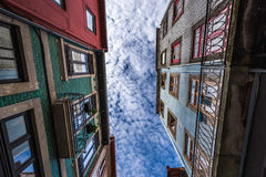 Case di città a Oporto Immagine Stock