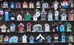Case di legno dell'uccello Fotografia Stock