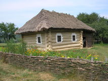Case di legno ucraine tradizionali Fotografia Stock